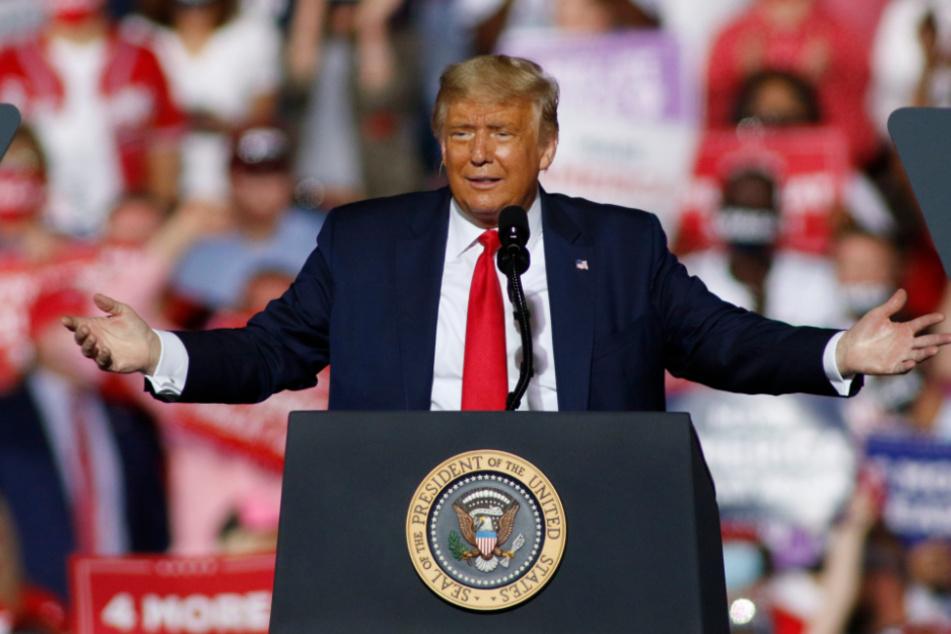 Präsident Trump (74) dürften die neuen Arbeitslosenzahlen kurz vor der Wahl überhaupt nicht passen.