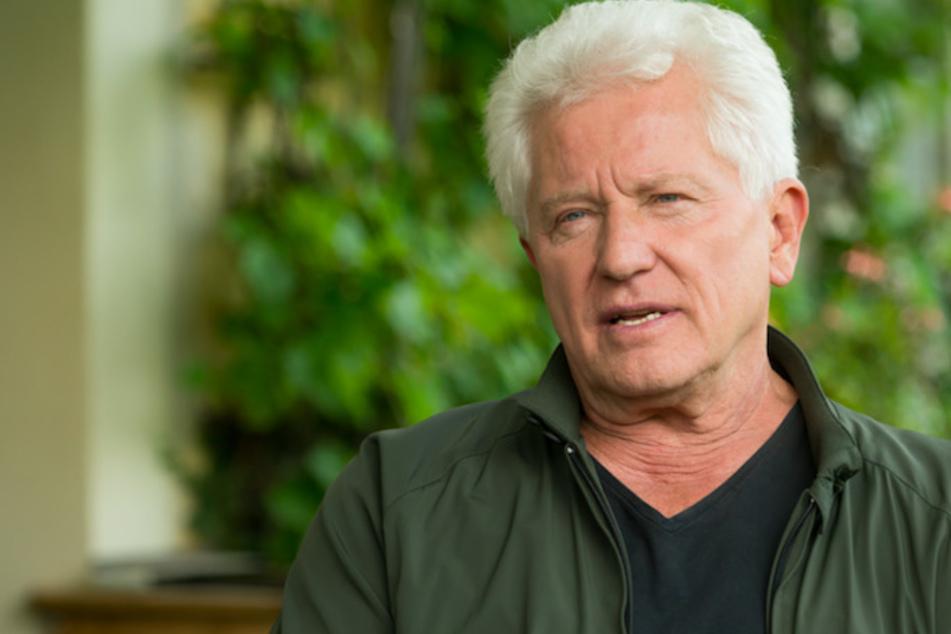 Schauspieler Miroslav Nemec (67) findet das Leben in einer großen Wohngemeinschaft attraktiv.