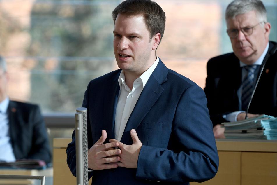 Christopher Vogt (l), FDP-Fraktionsvorsitzender.