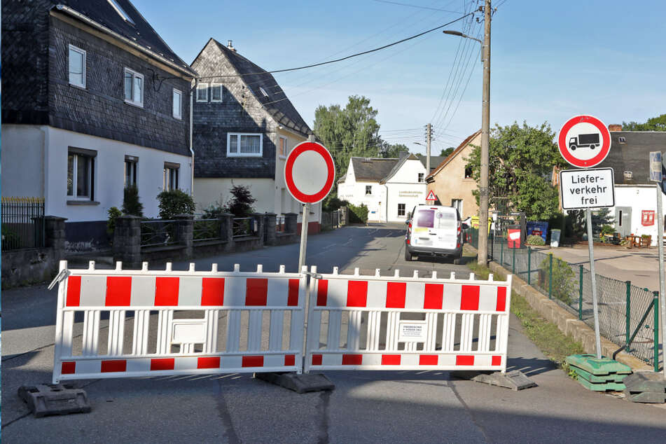 Nichts geht mehr in Oberlungwitz: Nachdem die B173 seit dem Frühjahr voll gesperrt ist, ist nun auch die innerörtliche Umleitung dicht.