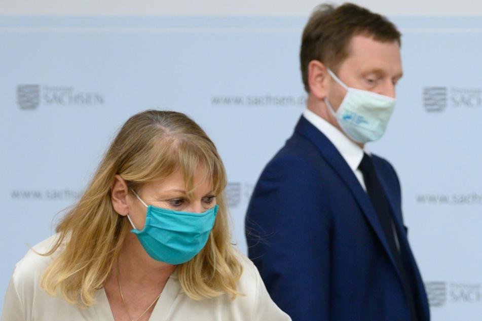Das sächsische Kabinett will am Mittwoch über das weitere Vorgehen entscheiden. Dazu gehört auch, ob es im ÖPNV und beim Einkaufen eine FFP2-Maskenpflicht geben wird.