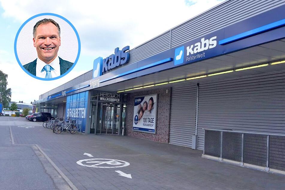 Store-Manager Mike Radtke schenkt seinen Kunden bis zu 3.100 Euro beim Möbelkauf.