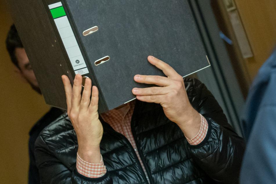 Logopäde missbrauchte behinderte Jungen dutzende Male sexuell: Urteil erwartet