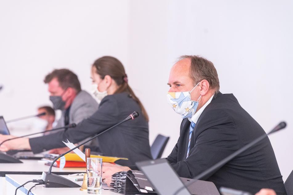 OB Dirk Hilbert (FDP) will neue Kredite aufnehmen, um Investitionen tätigen zu können.