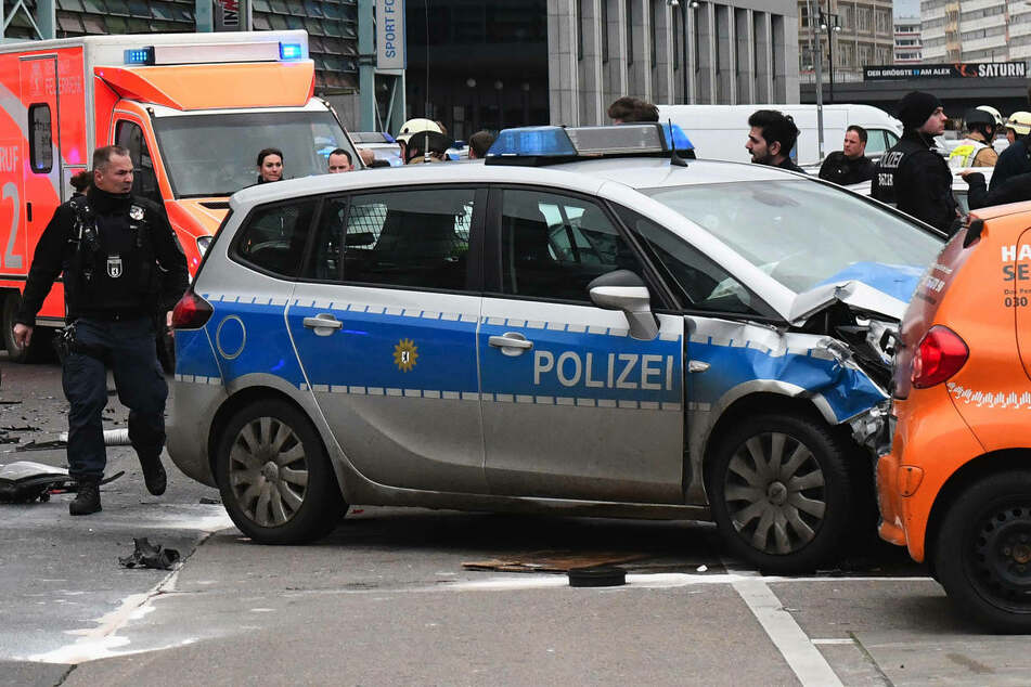 Am Montag wird am Landgericht Berlin der Berufungsprozess gegen den 53-jährigen Hauptkommissar fortgesetzt, der im Januar 2018 mit seinem Streifenwagen einen tödlichen Unfall verursacht hat. (Archivfoto)