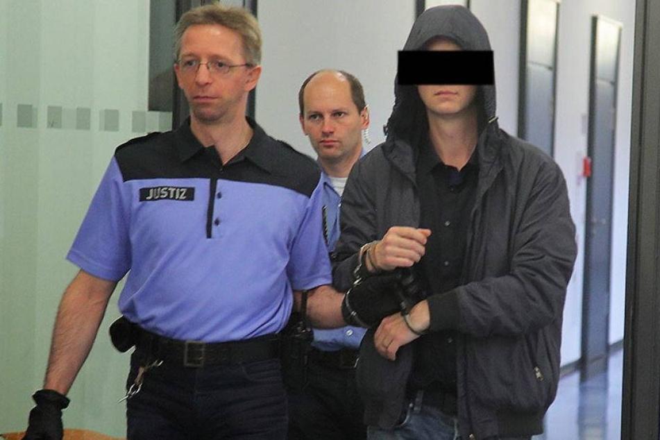 """Zentner """"Gras"""" im Gepäck! Fast 5 Jahre Haft für Drogenkurier"""