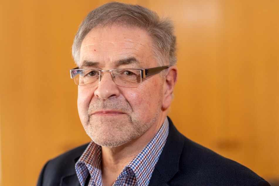 Stadtrat Klaus Bartl (70, Linke) fordert einen unabhängigen Beauftragten für Fälle von Polizeigewalt in der Landesregierung.