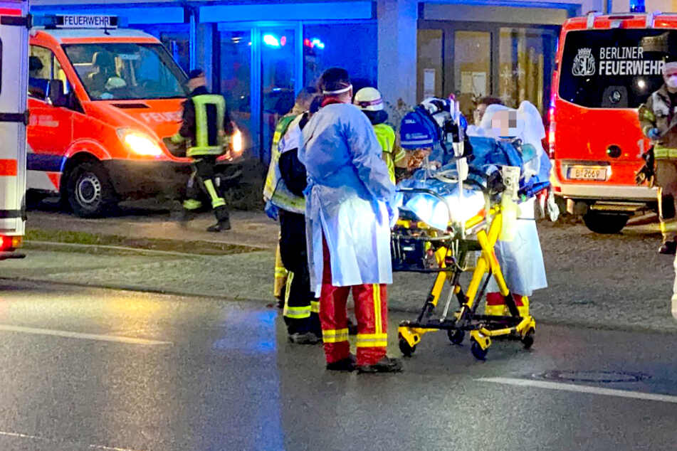 Die Berliner Feuerwehr hat die Infizierten in Kliniken verlegt.