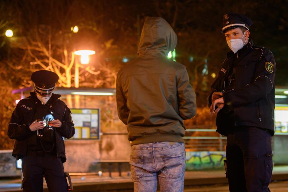 Die Polizei wird das Böller-Verbot in der Stadt kontrollieren (Symbolfoto).