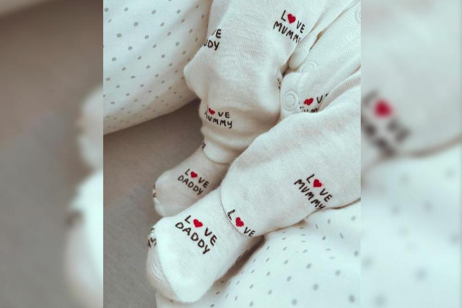 Natascha Ochsenknecht (56) veröffentlichte bei Instagram das erste Foto ihrer Enkeltochter Mavie.