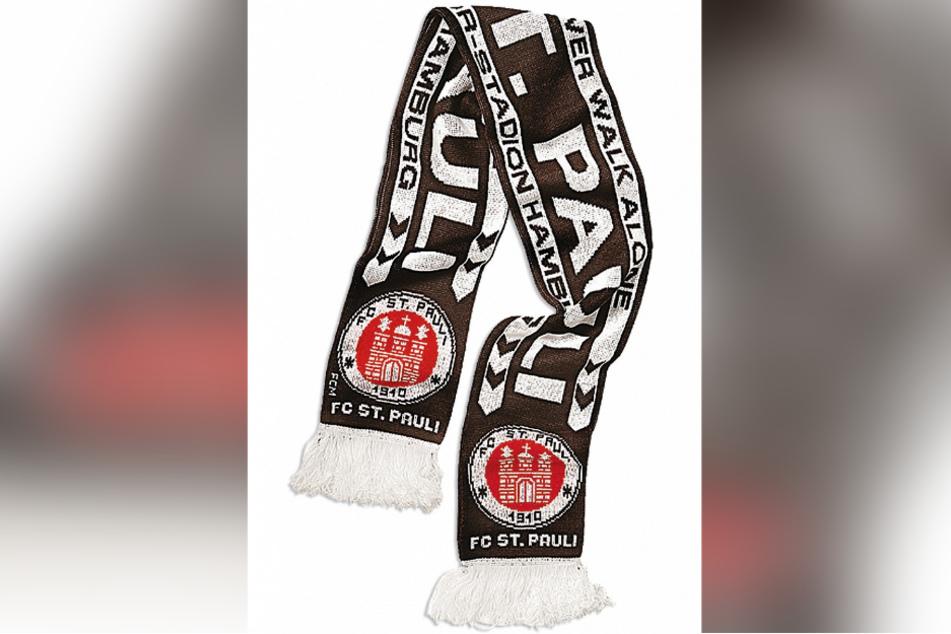 Begehrte Trophäe: ein Fan-Schal.