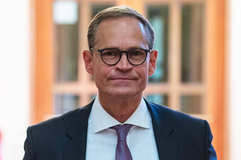 Berlins Regierender Bürgermeister Michael Müller (56, SPD) steht dem Weg, den Hamburg in der Corona-Pandemie eingeschlagen hat, noch skeptisch gegenüber.