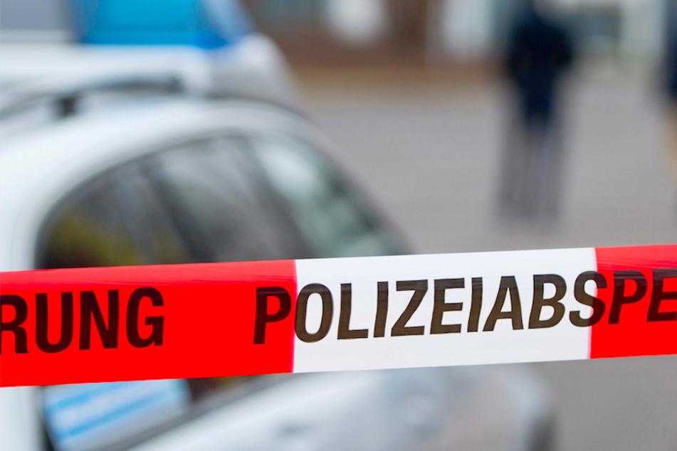 Die Ermittlungen der Polizei zur Tat in Deggendorf laufen weiter. (Symbolbild)
