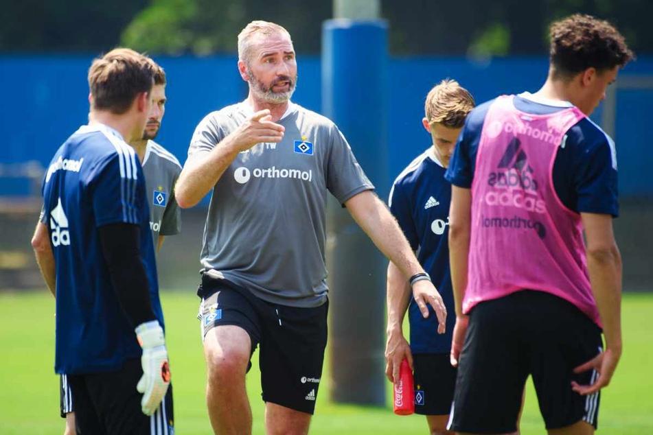 HSV-Trainer Tim Walter (46) war mit dem Auftritt seiner Mannschaft zufrieden. (Archivbild)