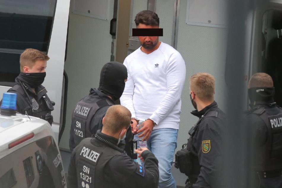 Bashir Remmo kommt am Oberlandesgericht in Dresden an.