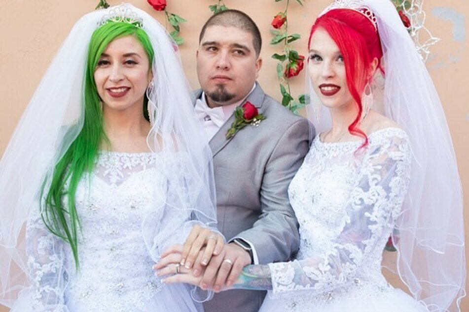 From l. to r.: ChaCha VaVoom, Jimmy Silva, and Summer Peltier got married in 2019.