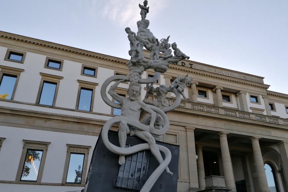 Das groteske Denkmal.