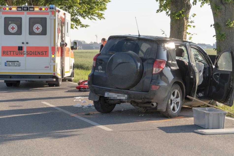 Fahrer verliert die Kontrolle und kracht gegen Baum: Retter mit Hubschrauber vor Ort im Einsatz