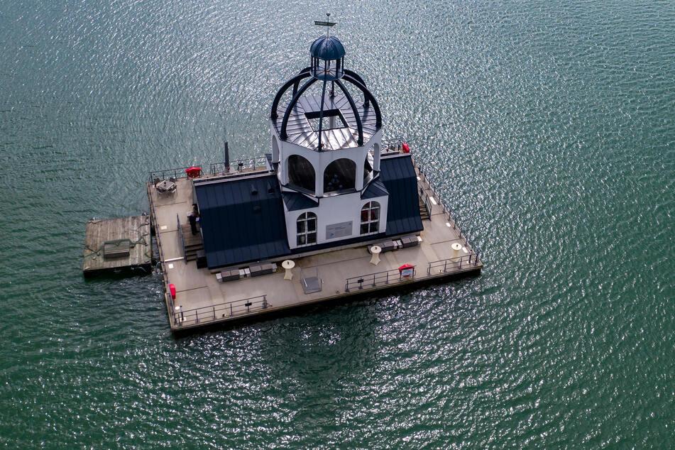 """Die schwimmende Kirche """"Vineta"""" feierte dieses Jahr zehnjähriges Bestehen. Noch heute gilt sie als Symbol für den Strukturwandel."""