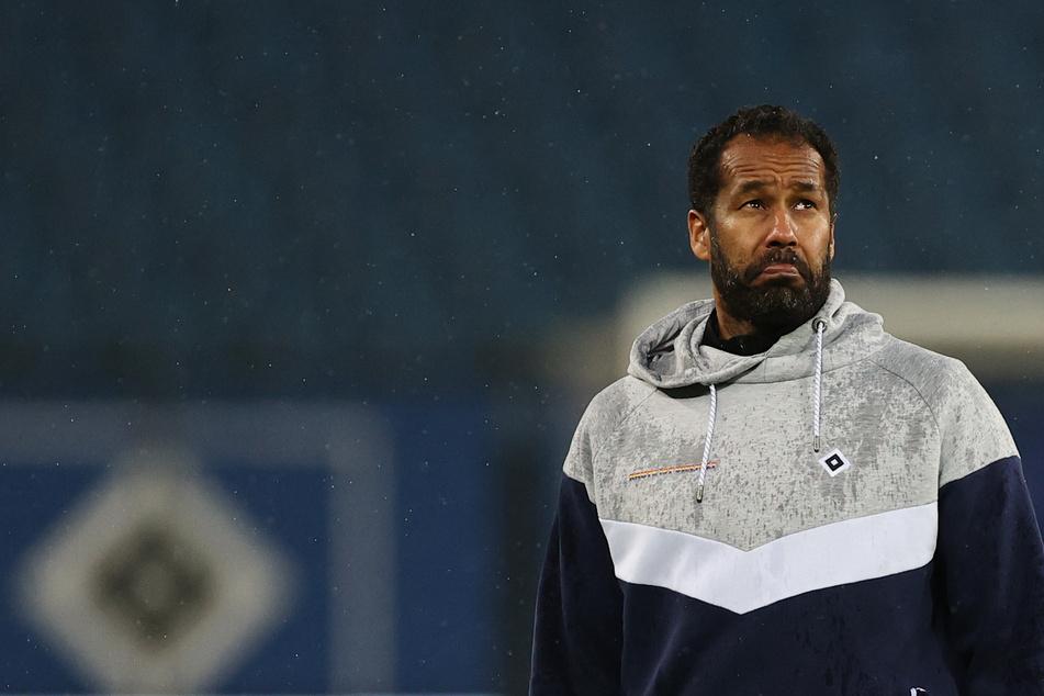 Ex-HSV-Trainer Daniel Thioune (46) nach dem Spiel gegen den KSC und vor seiner Entlassung. Diese sorgte im Netz für Empörung und Unverständnis.
