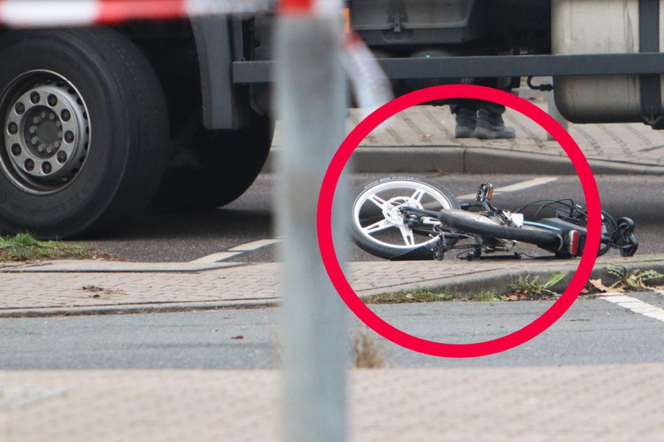Frankfurt: Lastwagen erfasst Radfahrer in Frankfurt, Mann (73) tödlich verletzt