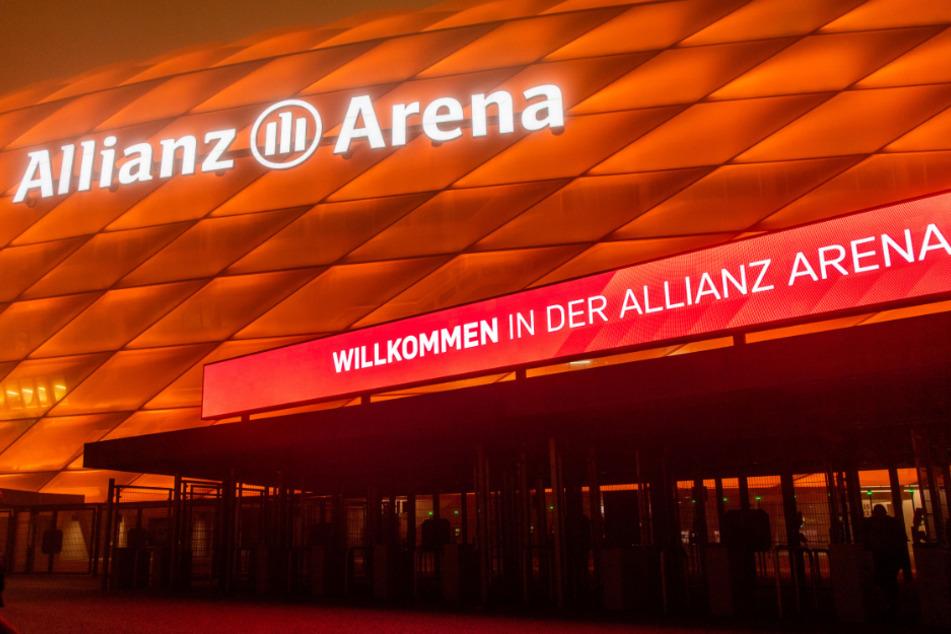 Schon vor einem Jahr leuchtete die Arena des FC Bayern München in Orange. (Archivbild)
