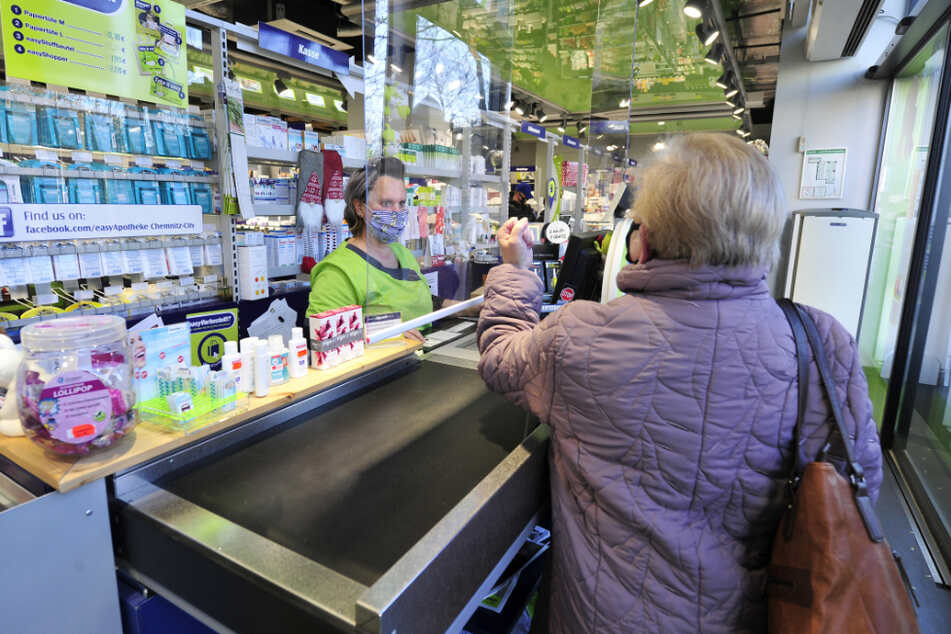 Einige Apotheken in Sachsen erlebten wütende Senioren, als die kostenlosen FFP-2-Masken plötzlich alle waren.