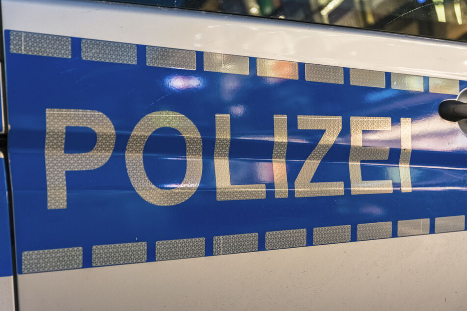 Gegen 2.30 Uhr griff eine Streife den 16-Jährigen im Suzuki in der Darmstädter Innenstadt auf (Symbolbild).