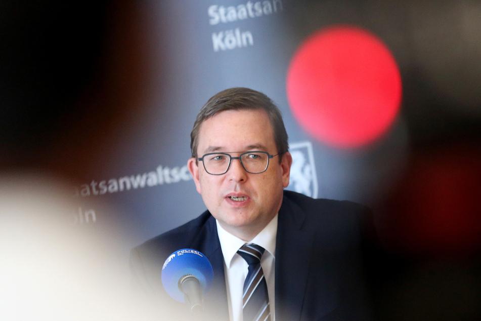 Oberstaatsanwalt Markus Hartmann (Leiter Zentral- und Ansprechstelle Cybercrime/ZAC) beantwortet während einer Pressekonferenz Fragen der Journalisten.