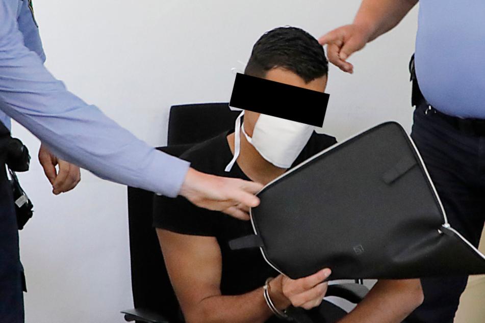 Ibrahim H. (19) muss sich vor dem Landgericht Chemnitz wegen versuchten Totschlags verantworten.