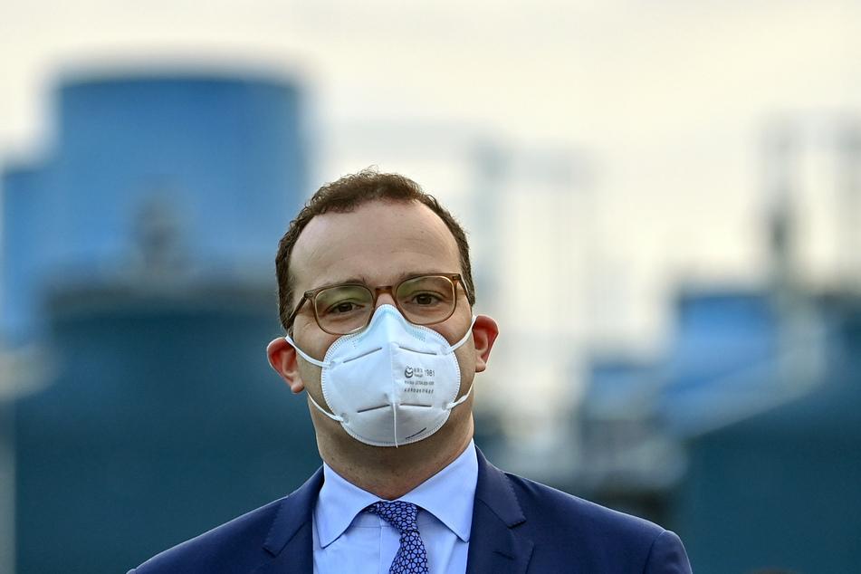 Bundesminister Jens Spahn (40, CDU) kündigte an, die Quarantäne-Zeit für Kontaktpersonen zu verkürzen.