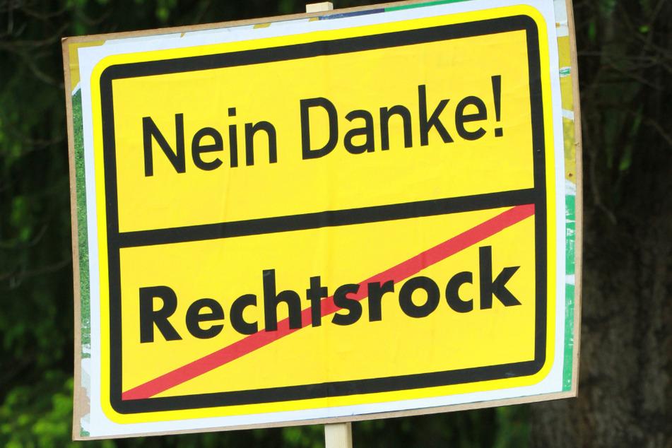 2018 war das Rechtsrock-Konzert noch verhindert worden. Jetzt erhält der Veranstalter eine saftige Summe. (Symbolbild)