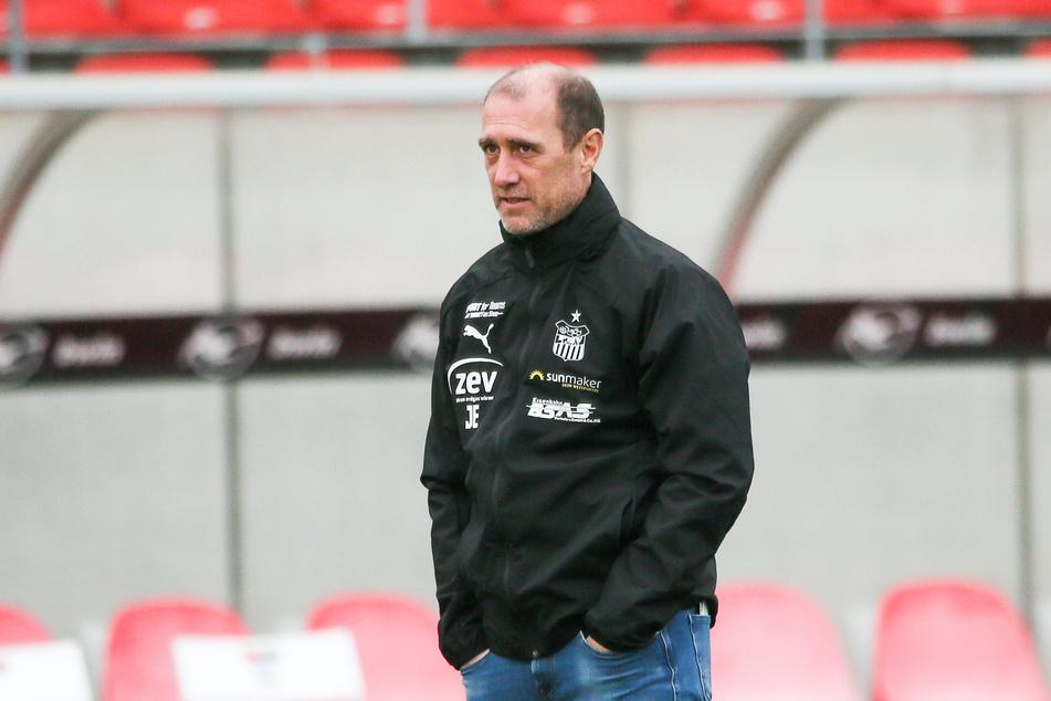 Mit seinem taktischen Schachzug konnte FSV-Coach Joe Enochs (49) die Offensive der Münchner überraschen.