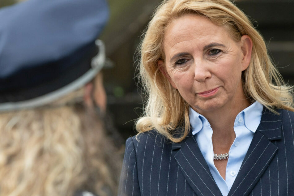 Polizeipräsidentin Barbara Slowik (54) verurteilte am Mittwoch den Vorfall und bedankte sich für den Hinweis aus den eigenen Reihen, der zur Aufdeckung des Falls geführt habe.