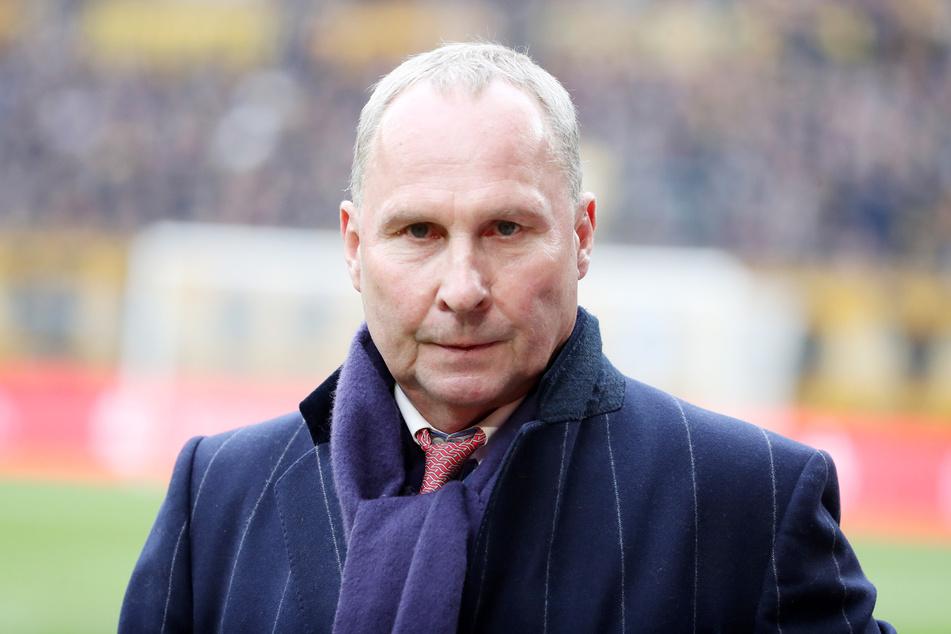 18A Schaut etwas skeptisch drein: FCE-Boss Helge Leonhardt. Auch beim FC Erzgebirge hängt Wohl und Weh von der Fortsetzung der Saison ab.