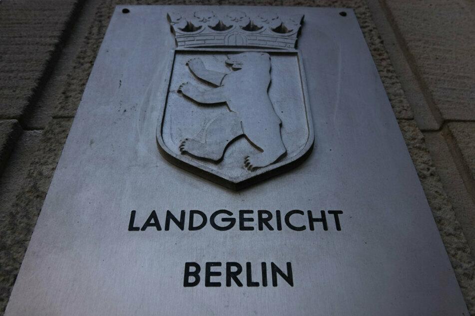 Mann stundenlang in Wohnheim misshandelt? Mutmaßliche Peiniger vor Gericht