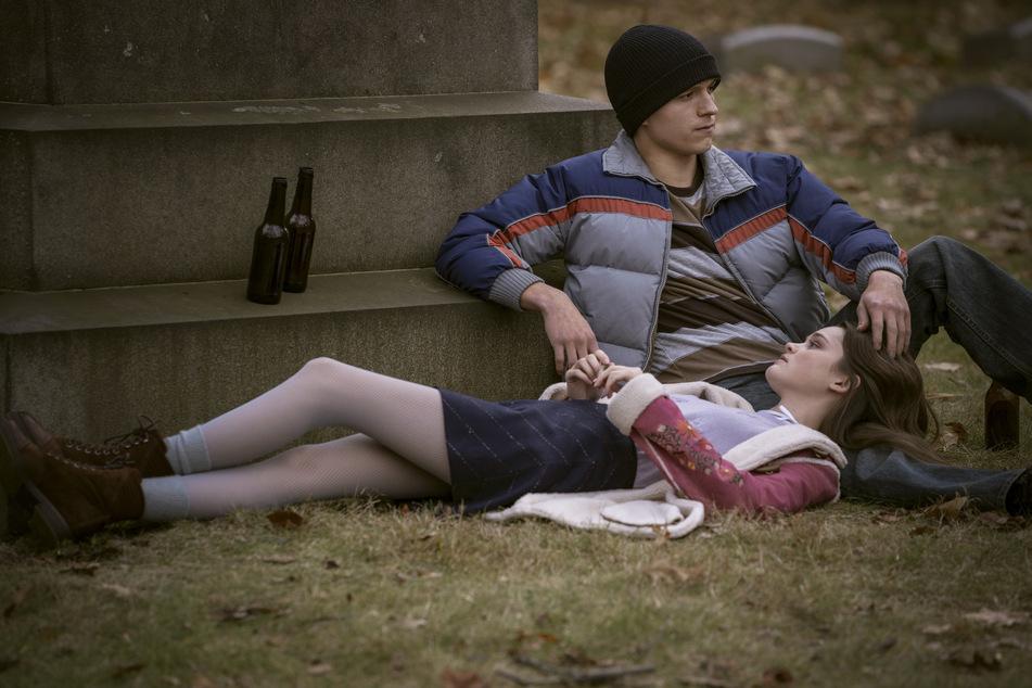 """Tom Holland (24) und Ciara Bravo (23) in einer Szene des Films """"Cherry"""". Das Drama gibt es hierzulande am 12. März beim Streaminganbieter Apple TV+."""