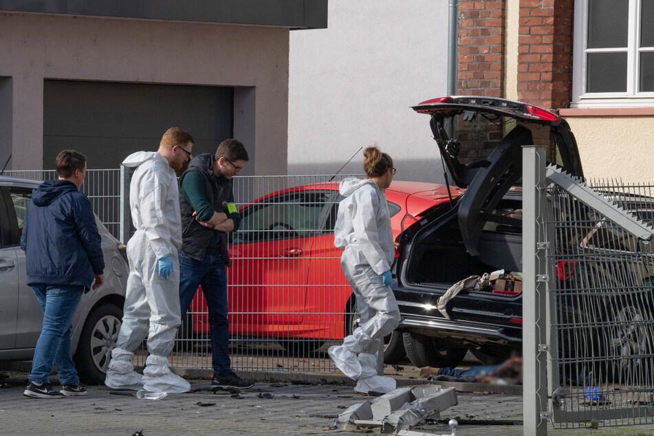 Brutaler Mord wegen Trennung? Mann überfährt Mutter von zwei Kindern und erschlägt sie mit Axt