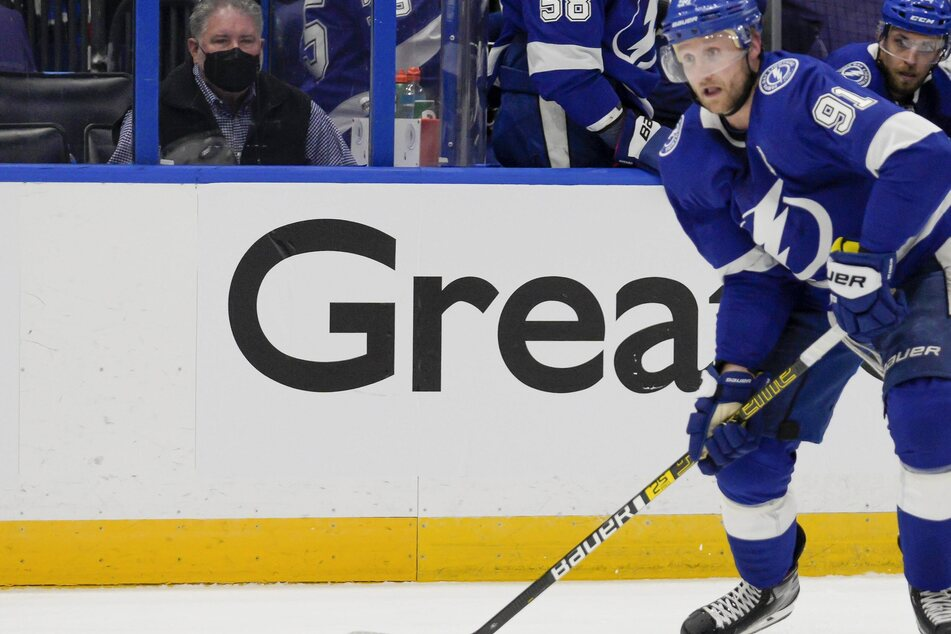 NHL Playoffs: The Lightning strike the knockout blow against the Panthers to advance
