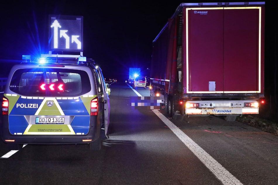 Unfall A4: Tödliche Tragödie auf der A4: Trucker steigt wegen Reifenpanne aus und wird erfasst