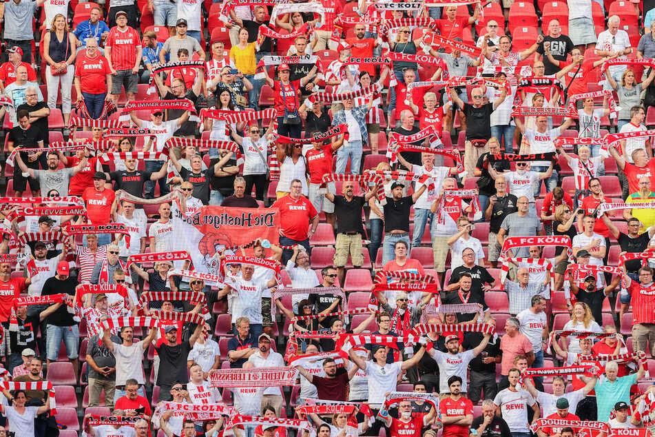 Die Fans des 1. FC Köln können im Stadion nicht mehr mit Bargeld bezahlen.