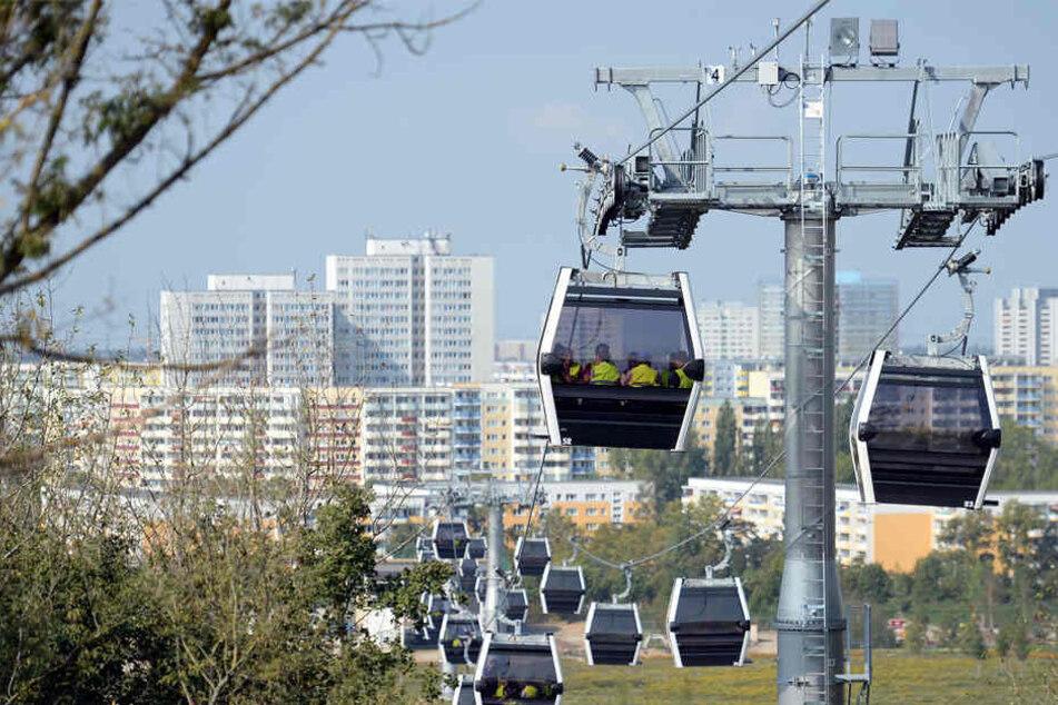 Mit 1,5 Kilometer Länge erschließt die Seilbahn den Park in Ost-West-Richtung