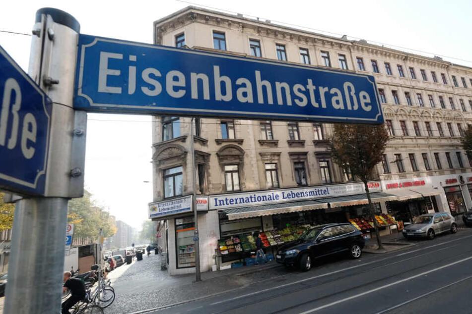 Seit heute Waffenverbotszone: Das muss man nun auf der Eisenbahnstraße beachten