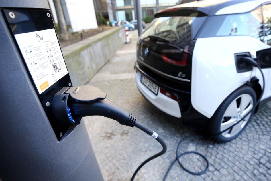 Nur ein Elektro-Auto im Fuhrpark der NRW-Landesregierung