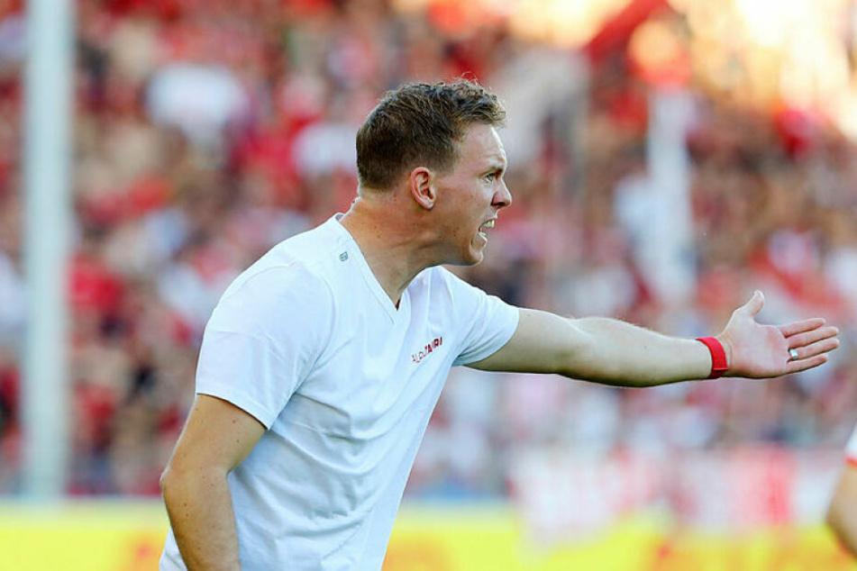 Bescheinigte seinem Team trotz ambitionierter Ziele, keine Spitzenmannschaft zu sein: RB-Coach Julian Nagelsmann.