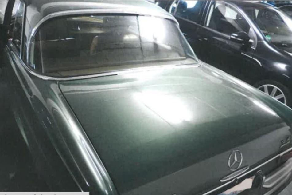 Der gestohlene Mercedes wird gesucht.