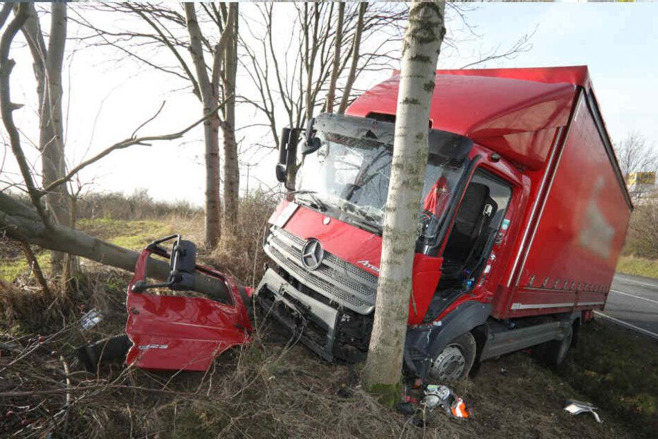 Zwei Verletzte bei schwerem Unfall an A14-Auffahrt