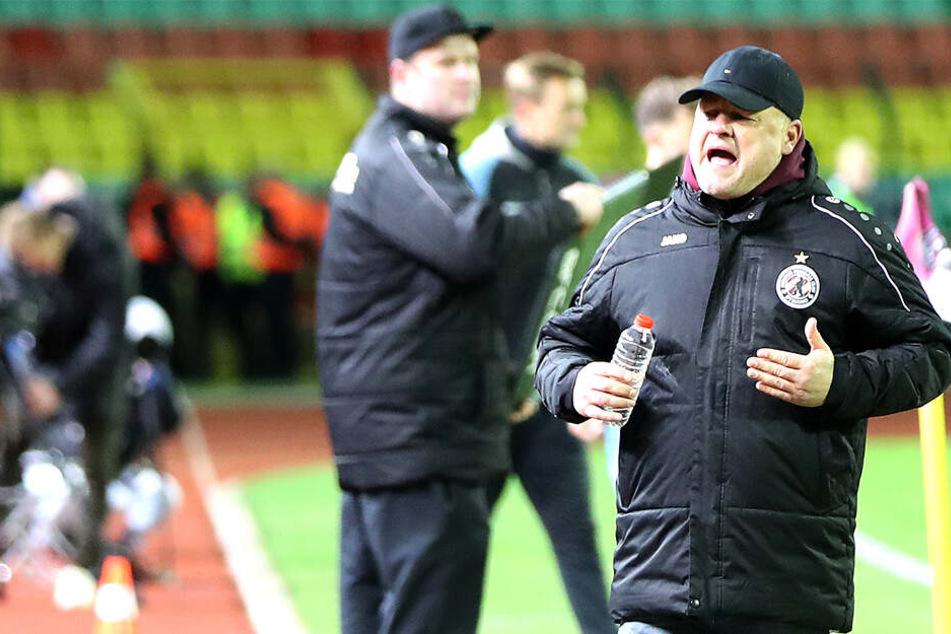 Matthias Maucksch (49) sichtbar unzufrieden. Weil er mit der Zukunftsplanung beim BFC Dynamo nicht einverstanden war, ging er.