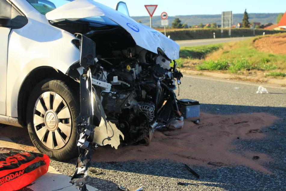 Beide Autos waren nach dem Unfall nur noch Schrott.