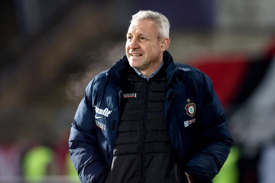 Trainer Pavel Dotchev kann mir der Chancenverwertung seiner Offensive-Abteilung nicht zufrieden sein.